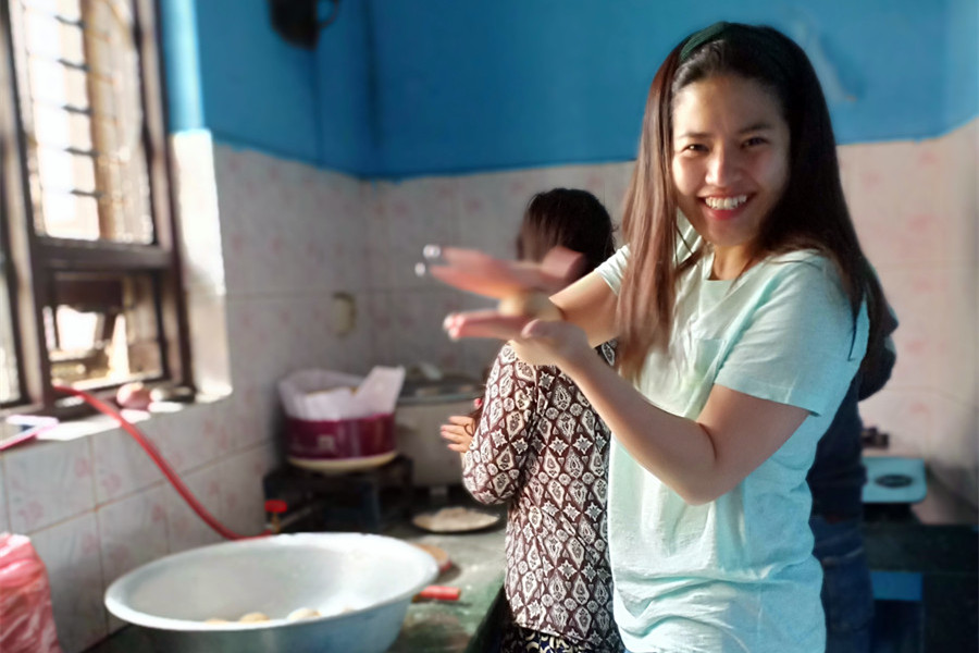 The Asian Girl from America: Volunteering At the Orphanage for SCIF, Our Clean Water Project, Broken Blender Story and the Line Dance Party | Yifan |